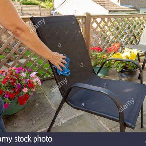 limpieza-de-muebles - limpieza de muebles de jardin 2a0yk96 300x300