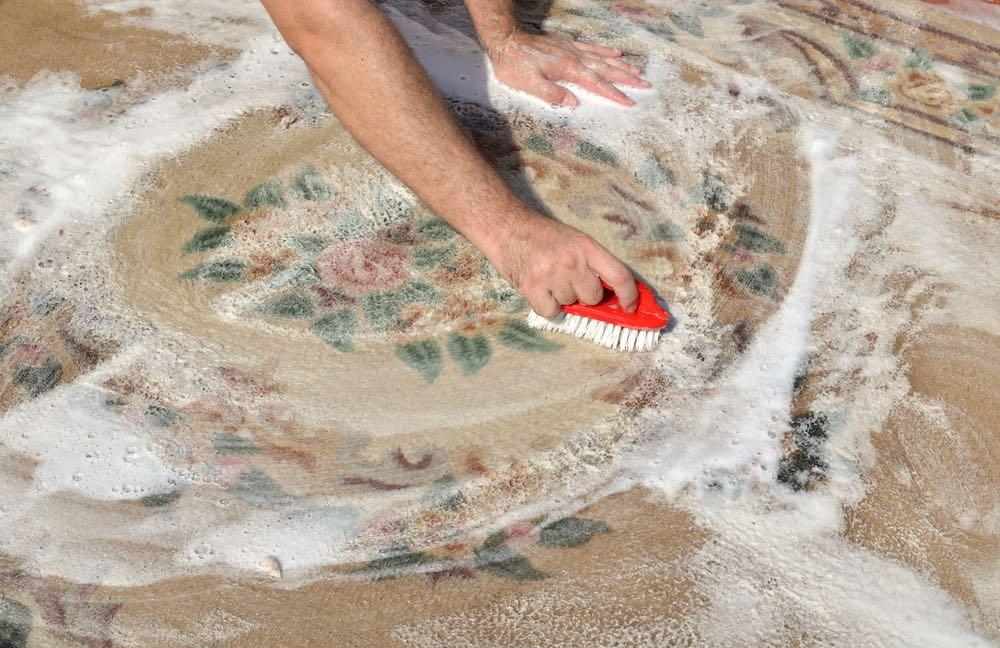 blog - blanqueo de manchas de alfombras y tapetes
