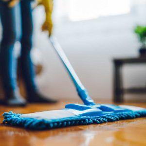 blog - pasos actualizados para limpiar y pulir pisos de madera de la manera correcta 300x300